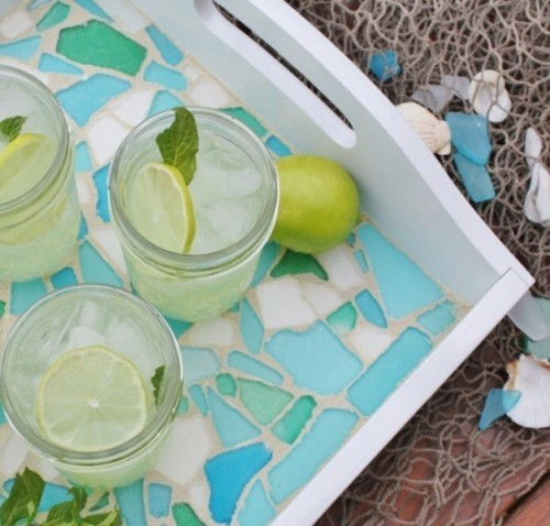 Beautiful-diy-sea-glass-tray-1-500x478