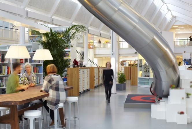 Lego-office-interior-slide-collaboration-area-665x448