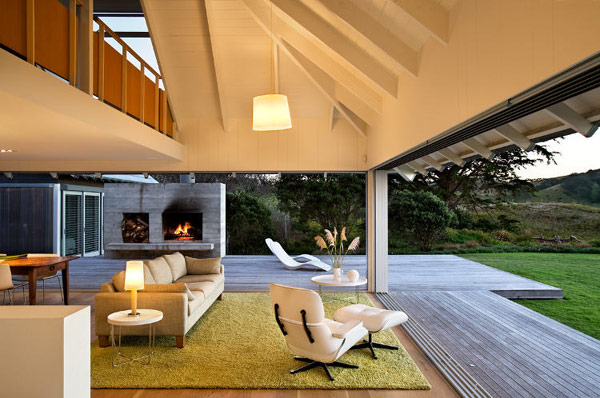 Beach home in kuaotunu new zealand by crosson clarke for House interior design new zealand