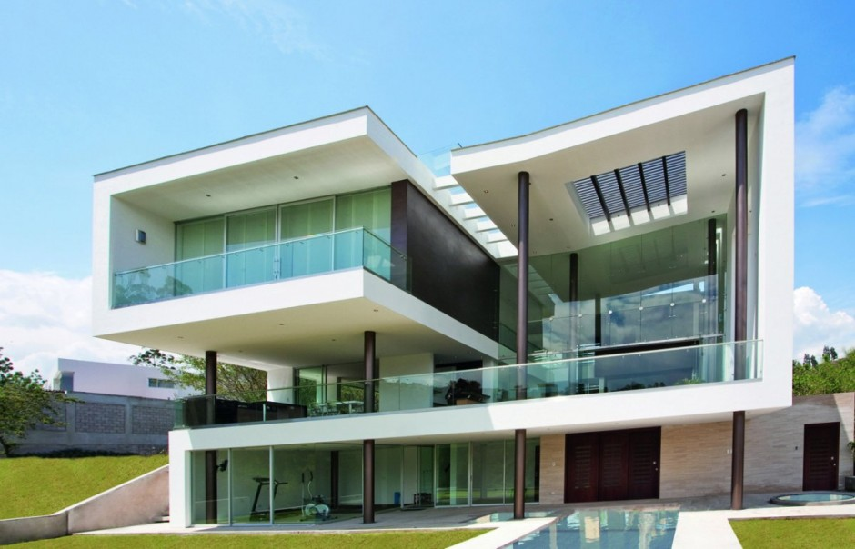 Casa hacia el r o in quito ecuador by najas arquitectos for Fachadas de casas modernas en quito