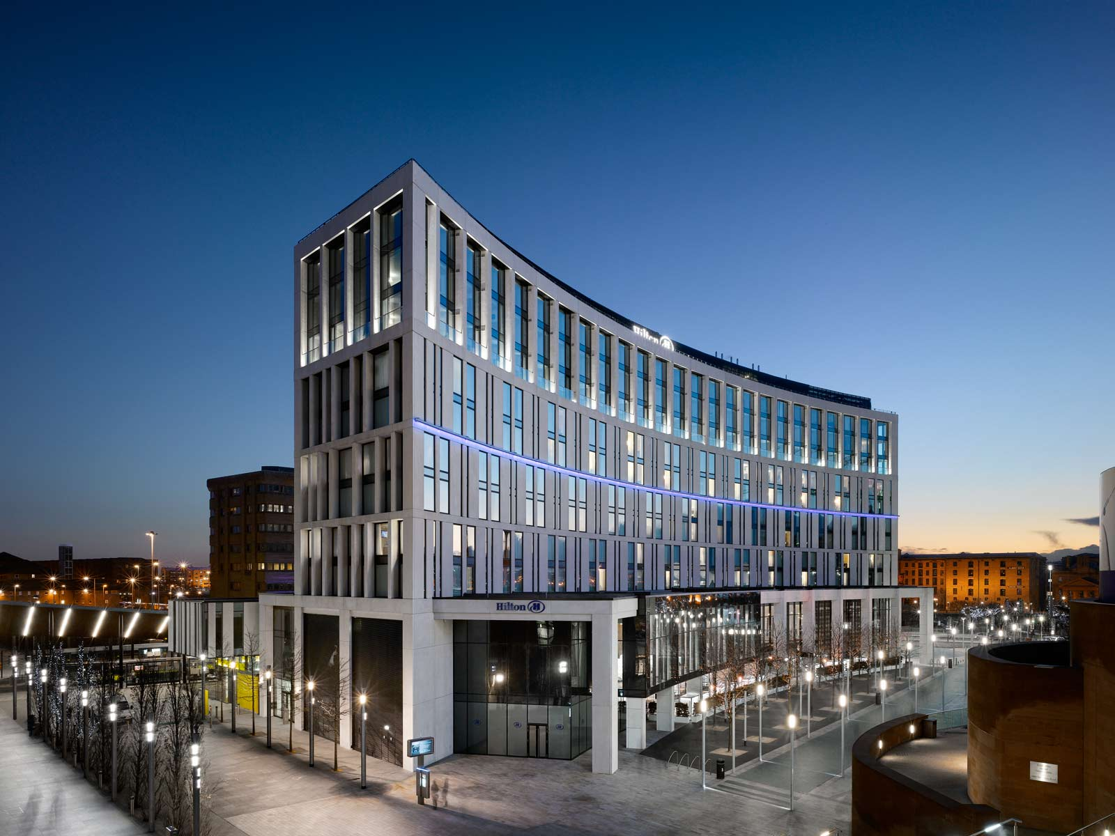 hilton hotel in liverpool uk by aedas awesome architecture. Black Bedroom Furniture Sets. Home Design Ideas
